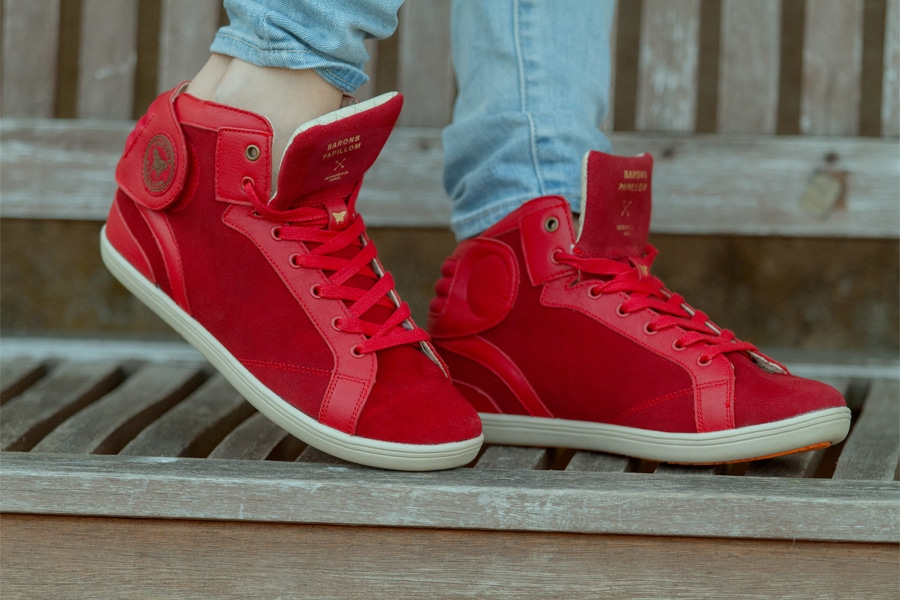 barons-suede-rouge