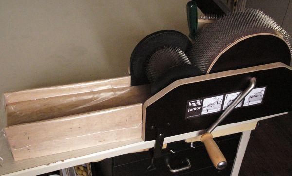Cardeuse mécanique à laine