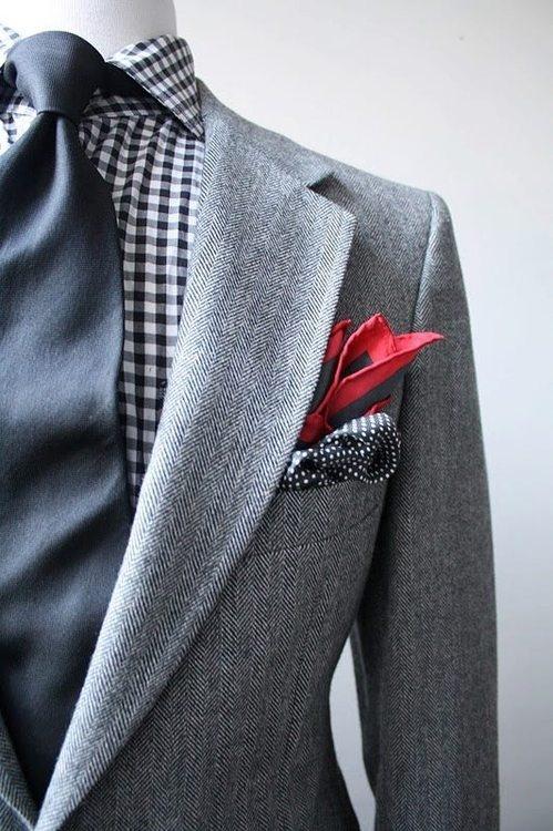 pochette rouge et grise