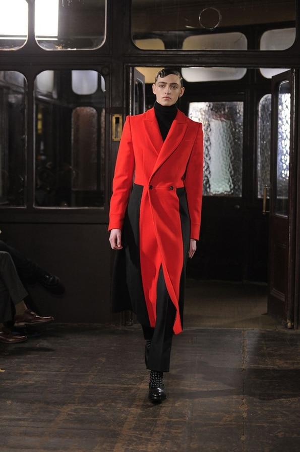 manteau rouge Alexander mcquenne