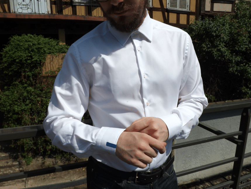 poignets chemise blanche