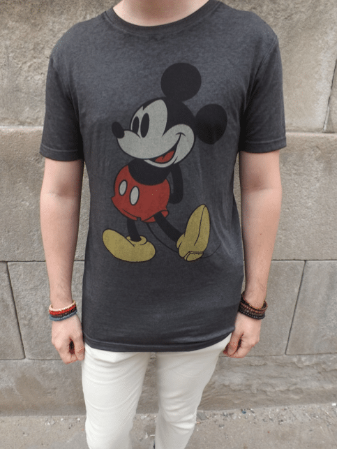 look tshirt mickey