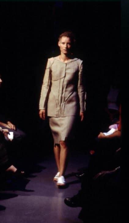 DVC 2001 03