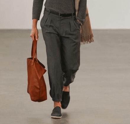 pantalon en laine dans look