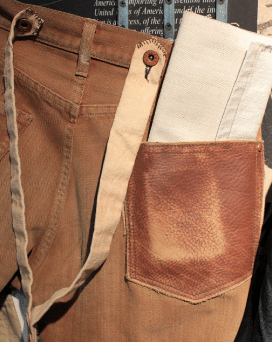 pantalon workwear et bretelles