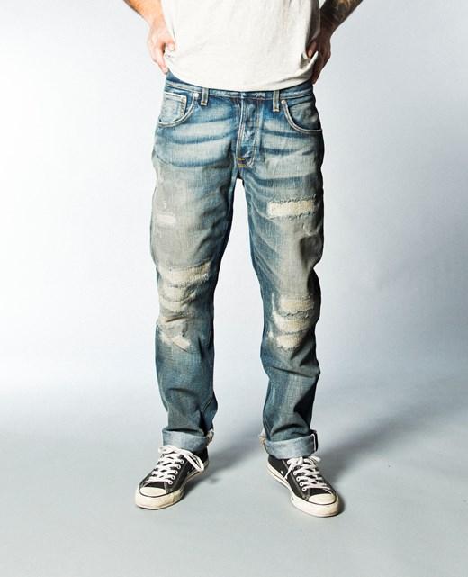 73404be4be083 Comment porter le jean délavé   Astuces et conseils   BW-YW