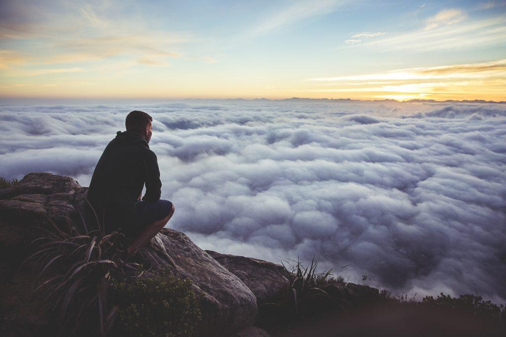 Ce qu'il va se passer dans les mois à venir pour moi (si tout se passe bien) : un article avec des blogs, des clients, des voyages, et du digital nomade dedans.