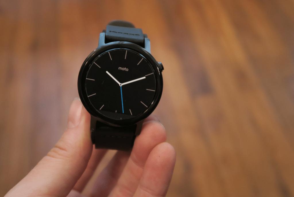 (J'ai testé pour vous) Une montre connectée : La moto 360 by Motorola