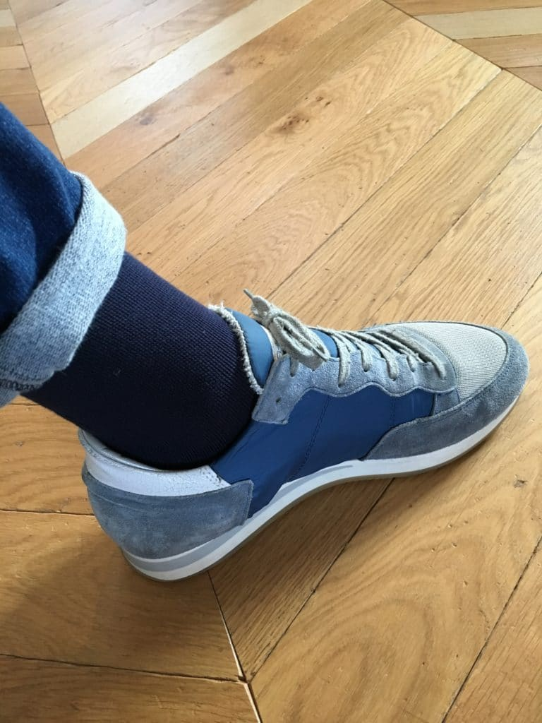 Chaussettes bleues et Philipp Model
